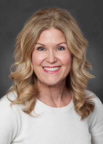 Elizabeth Olson Headshot