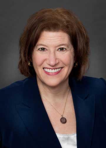 Ellen Chase Headshot